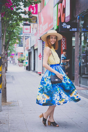 Chicwish skirt - Mart of China bag - Woodeez sunglasses - OASAP blouse