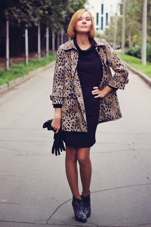leopard print H&amp;M coat - black retro Oasis dress - snakeskin Oasis heels