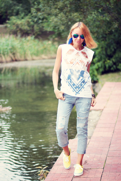 nowIStyle top - Choies jeans - zeroUV sunglasses - VANCL sneakers