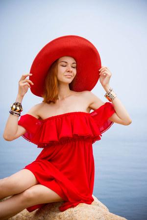 ruby red Chicwish dress