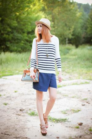 Zarina sweater - Zarina bag - Zarina shorts