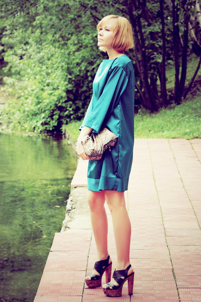 teal silk self-made dress - snake print Mango bag