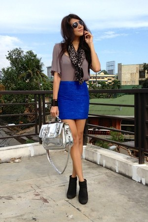 blue metallic H&M skirt - black suede cotton on boots