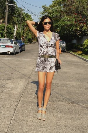heather gray floral random dress - black striped It shoes