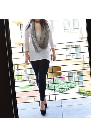 heather gray Gap scarf - ivory Ebay seller Sarastyles sweater