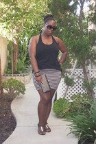 tan striped Charlotte Russe skirt - black clutch Hot Topic purse