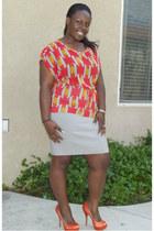 yellow chiffon sweet claire blouse - carrot orange satin Quipid pumps