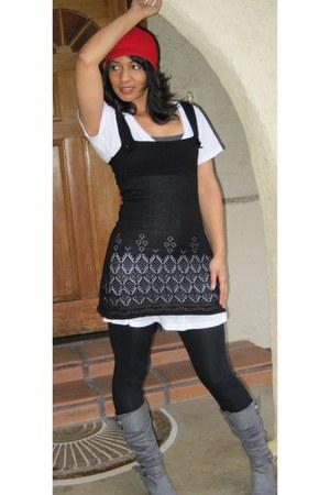 steinmart - steinmart hat - steinmart ring - Thrift Shop t-shirt - Dolce Vita sw