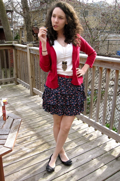 Forever 21 Skirts Red Cardigans Black Shoes Necklaces