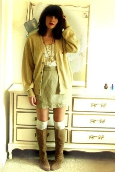 beige the montgomery ward pegasus sweater - beige vintage boots