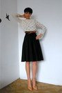 Off-white-cropped-zara-sweater-nude-zara-pumps-black-vintage-skirt