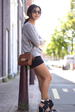 Senso sandals - Mulberry bag - Boohoo sunglasses