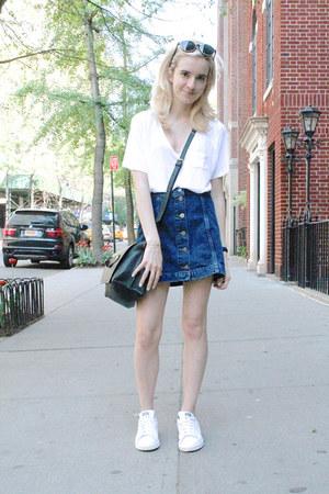 blue Topshop skirt - white v-neck Aritzia shirt - black Zara bag