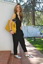 mustard tote goyard bag - black high-waisted SANDRO pants
