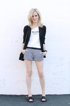 black silk etam shorts - black cotton Uniqlo blazer - black vintage Chanel bag