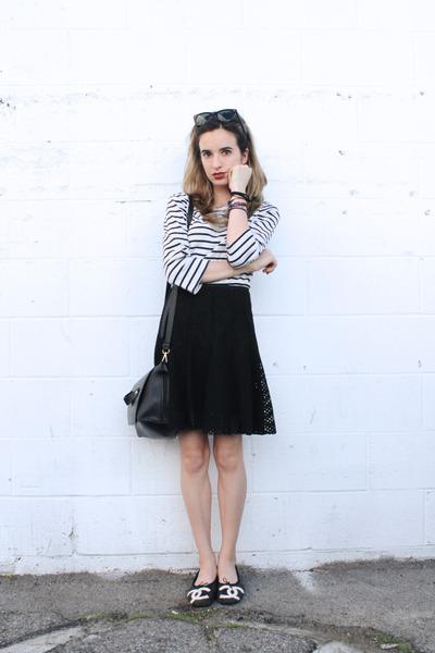 black messenger Zara bag - white stripes unknown brand shirt