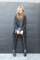 black faux leather Zara leggings - dark gray tank American Apparel shirt