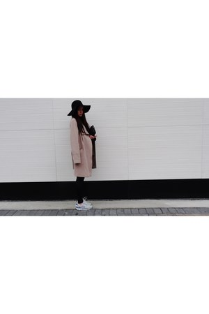 black wool floppy American Apparel hat - beige cashmere planet coat