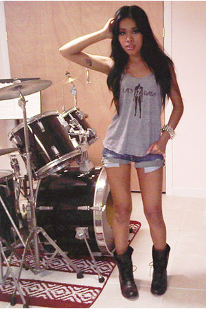 gray top - blue Wet Seal shorts - silver accessories - black boots
