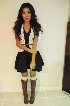 ivory crochet Forever21 vest - black H&M skirt