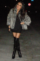 black boyfriends vintage shirt - black boots - gray 34 sleeve fur Mossimo coat