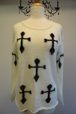 Lumeire sweater