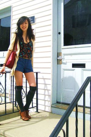 yellow alloy cardigan - blouse - Forever21 shorts - stockings - Forever21 shoes