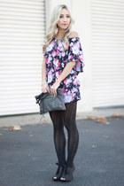 magenta tunic cotton on top - gray felt Lauren Conrad heels