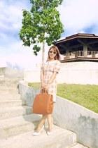 nude HK dress - carrot orange SM bag