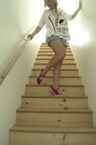 red shoes - white Forever21 shirt - blue American Eagle shorts
