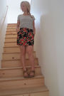 Black-h-m-shirt-red-forever21-skirt-beige-enza-nucci