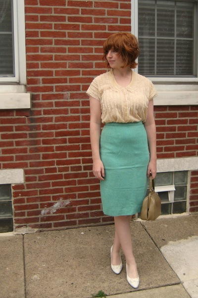 vintage blouse - vintage skirt - vintage shoes - vintage purse