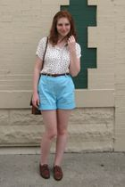 white 60s vintage blouse - blue thrifted shorts - brown shoes - brown Vintage Et