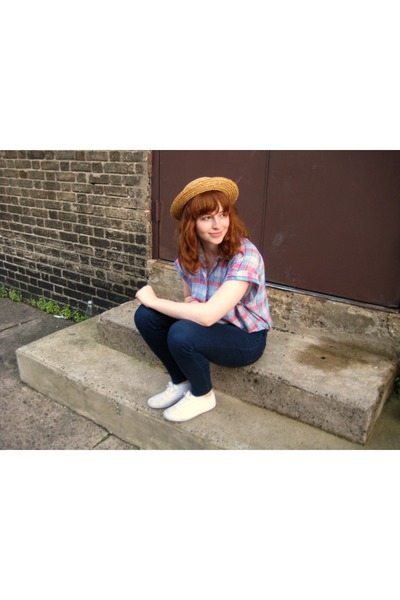brown hat - blue shirt - blue BDG jeans - white Keds shoes