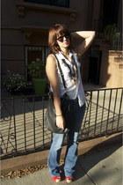 H&M necklace - PacSun jeans - My moms shirt - black Marc by Marc Jacobs bag