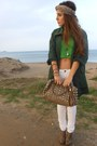 Forest-green-jacket-chartreuse-blouse-white-stradivarius-pants
