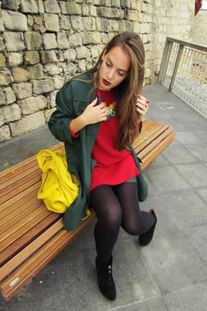 yellow bag - forest green jacket - black leather Stradivarius shorts