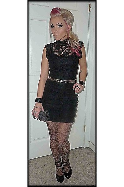 cccec87ded black studded Hot Topic belt - black lace Forever 21 dress