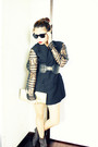 Black-vintage-from-grandmums-closet-blazer-gray-babo-boots-gold-random-brand