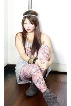 gray Calliope top - Forever 21 tights - gray babo boots - random brand accessori