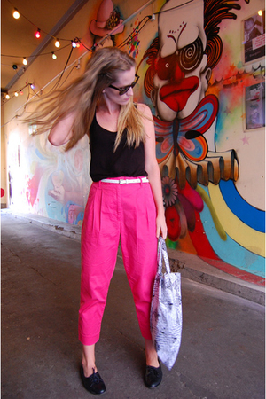 H&M pants - GINA TRICOT top - H&M belt - Din Sko shoes - Ray Ban sunglasses - Sw
