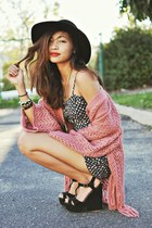 coral knit Urban Outfitters cardigan