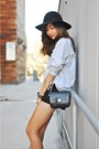Black-ankle-boot-zara-boots-black-messenger-bag-zara-purse