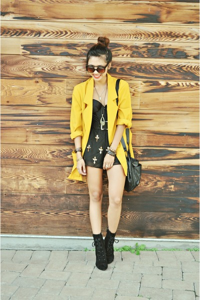 mustard over-sized thrifted vintage blazer