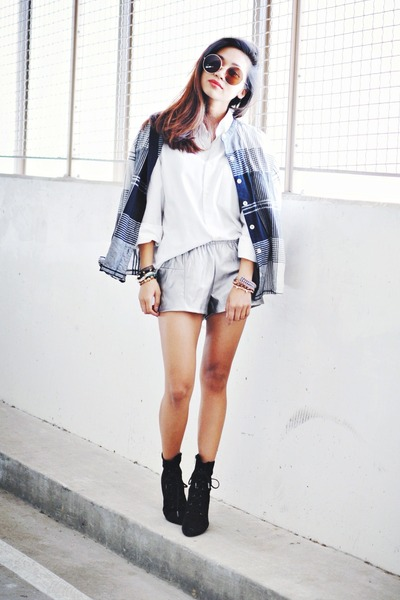 black lace-up heels Marc Fisher boots - silver Rehab shorts
