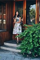 white midi skirt Choies skirt - black minimalist Daniel Wellington watch