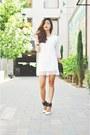 White-choies-dress