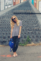 black free people jeans - blue unknown purse - white Club Monaco blouse