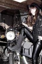 black Bershka pants - black vintage boots - black vintage top - black wibra hat