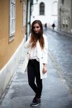 Choies coat - Stradivarius jeans - H&M shirt - nike sneakers